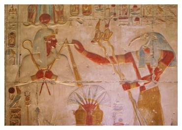 Thoth offers Seti I an Ankh Sign